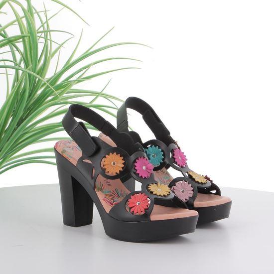 Immagine di AD+GUAPA - Sandalo in VERA PELLE traforato con applicazione fiori e strappo alla caviglia, tacco 10,5CM