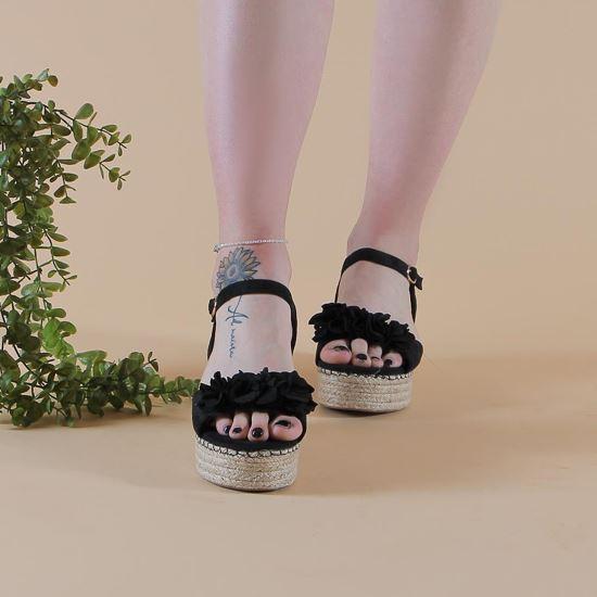 Immagine di TATOO - Sandalo platform zeppa con cinturino e applicazione fiori sulla fascia