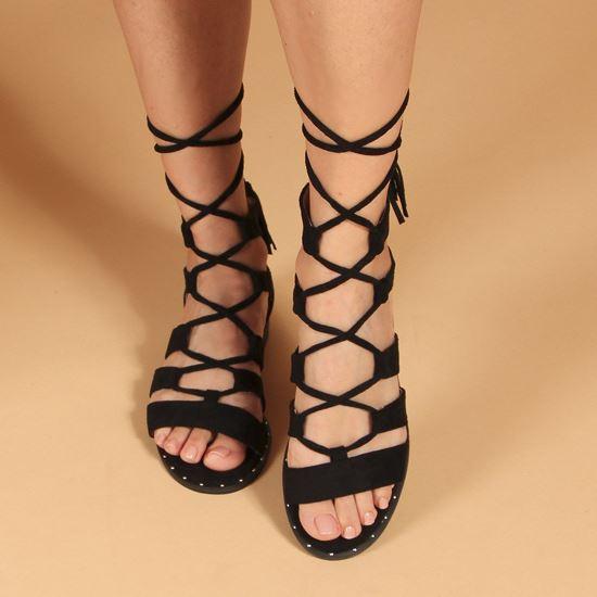 Immagine di VANILLA PUNK - Sandalo nero lace-up con pennacchi a frange